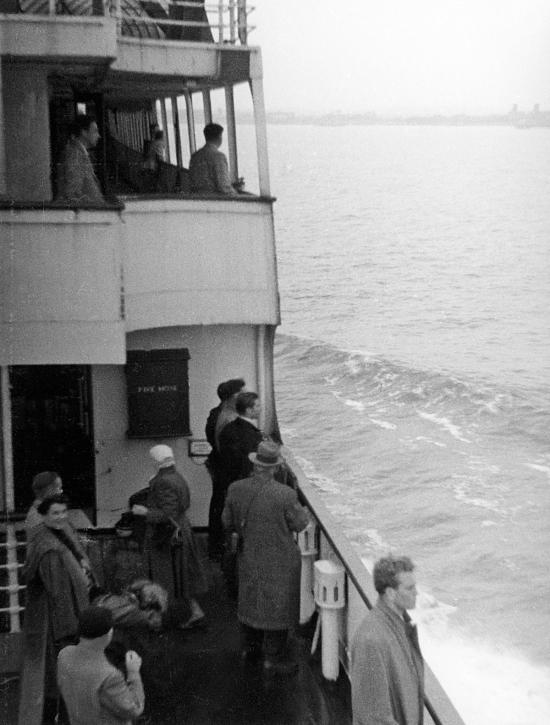 Approaching Harwich-4 PNG