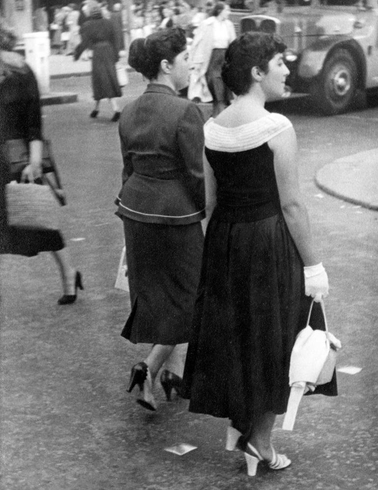 Women, Regent St-25PNG