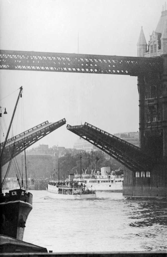 Tower Bridge 2-77PNG