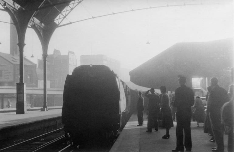 Train,Victoria-84 ?? PNG