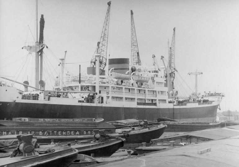 Tilbury -119 PNG
